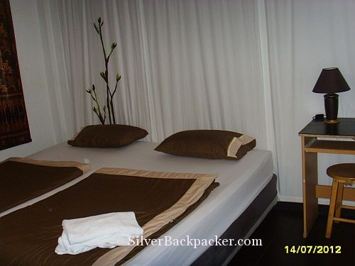Suk 11 room with double bed