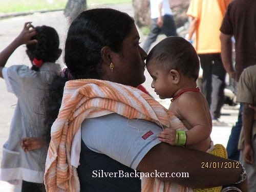 Indian mother and child at Gemas