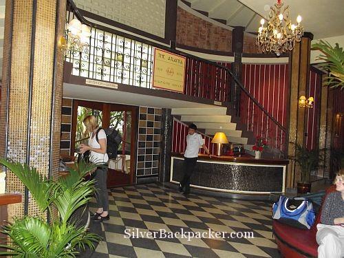 Atlanta Hotel Bangkok Foyer