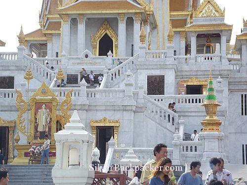 Wat Traimit Frontage Bangkok