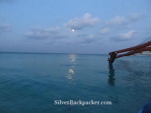 Dawn moon Caluya