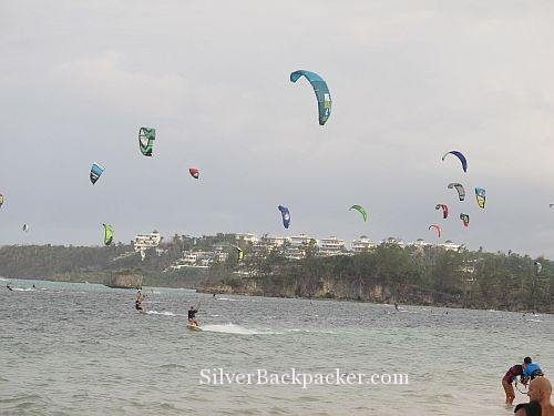 Kitesurfing on Bulabog Beach