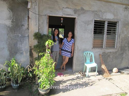 Semirara Homestay Ma. Rosalind Lopez and her niece Marygold
