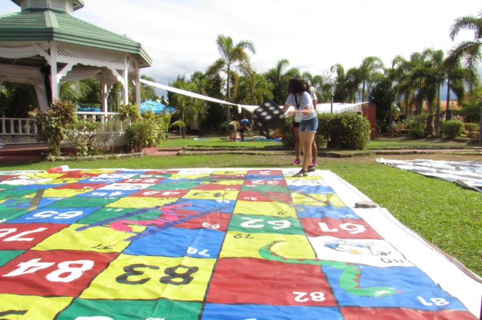 playing snakes and ladders crystal waves resort