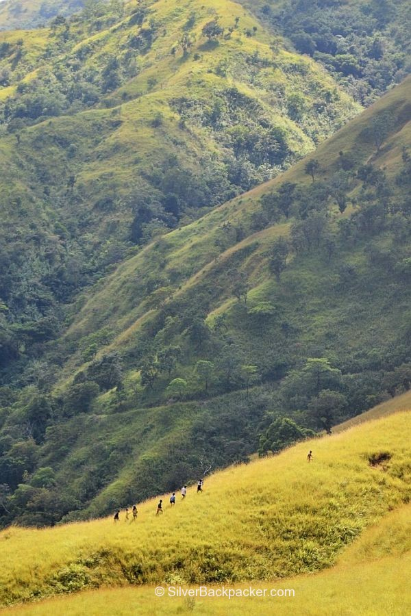 Local Kids running Apao Rolling Hills, Abra