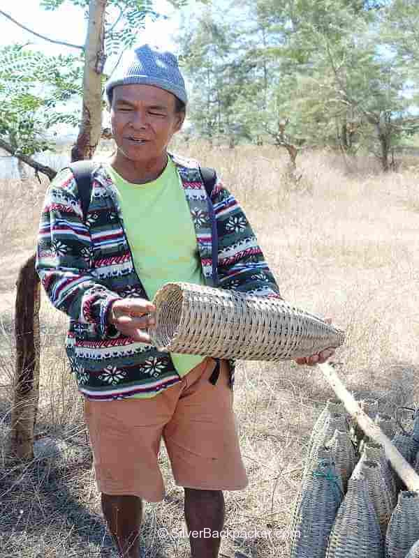 Fish trap demo and explanation. Fishing on the Abra River