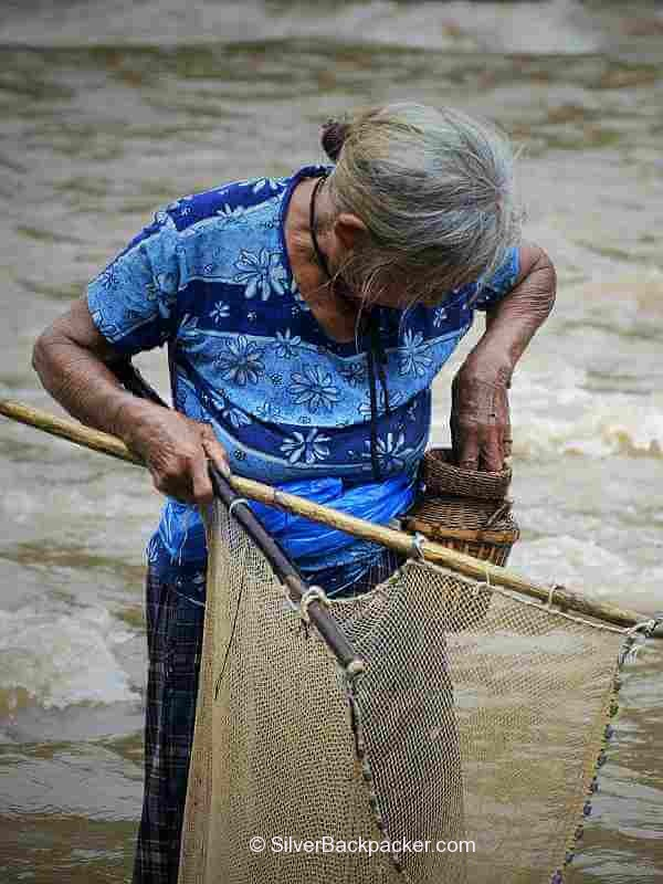 hand net to hip basket. Fishing on the Abra River