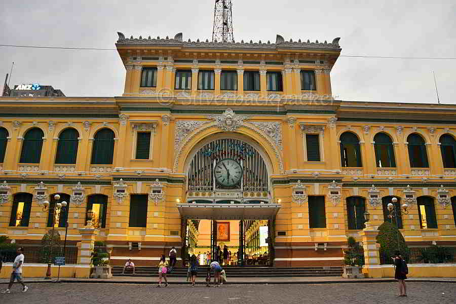 Ho Chi Minh Walking tour, the post office