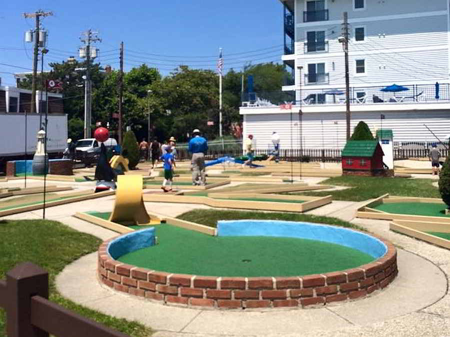 Cape_May_Mini_Golf By TMBLover at English Wikipedia crazy golf london