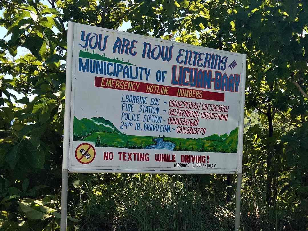 Licuan Baay Border Sign Route 204