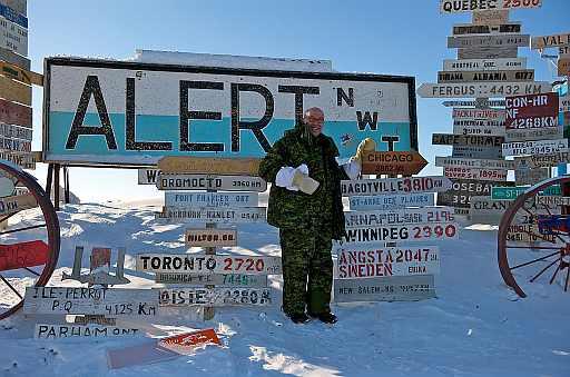 US_Ambassador_visits_Alert,_Nunavut