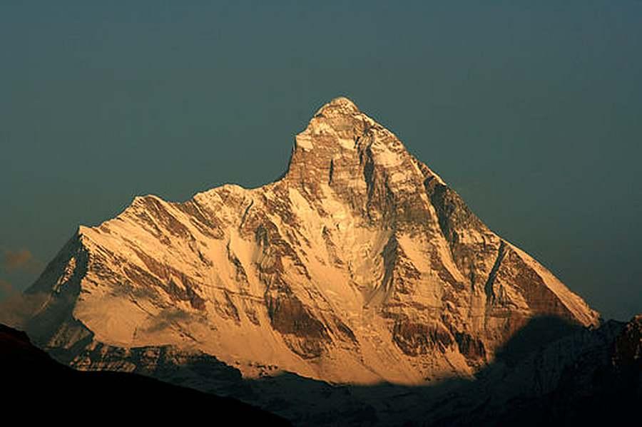 Nanda_Devi - Michael Scalet from India, CC BY-SA 2.0 via Wikimedia Commons