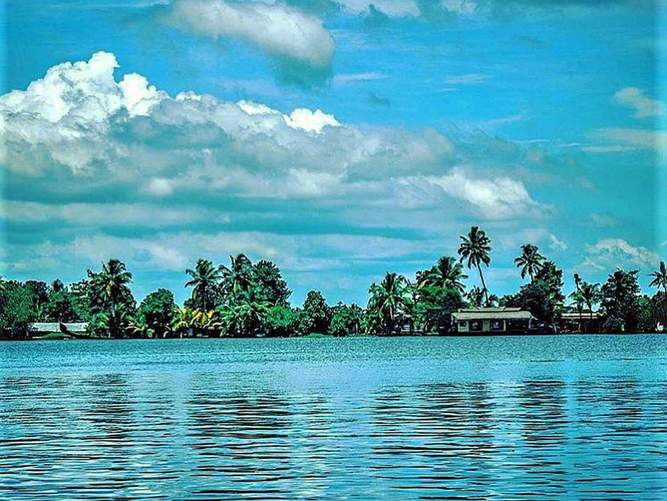 Offbeat Places in India Kerala Backwaters