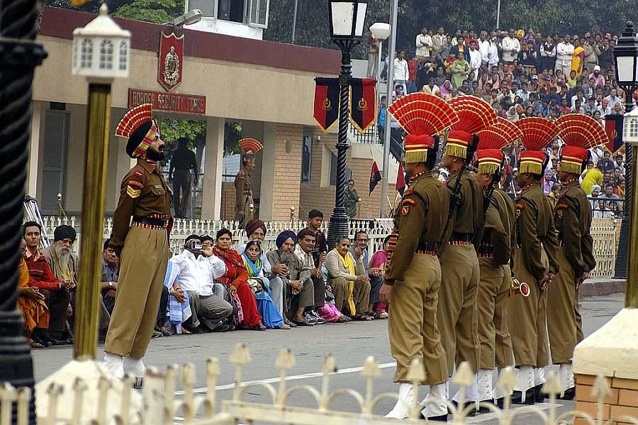 Wagah_border_indian side Photo Courtesy – Giridhar Appaji Nag Y